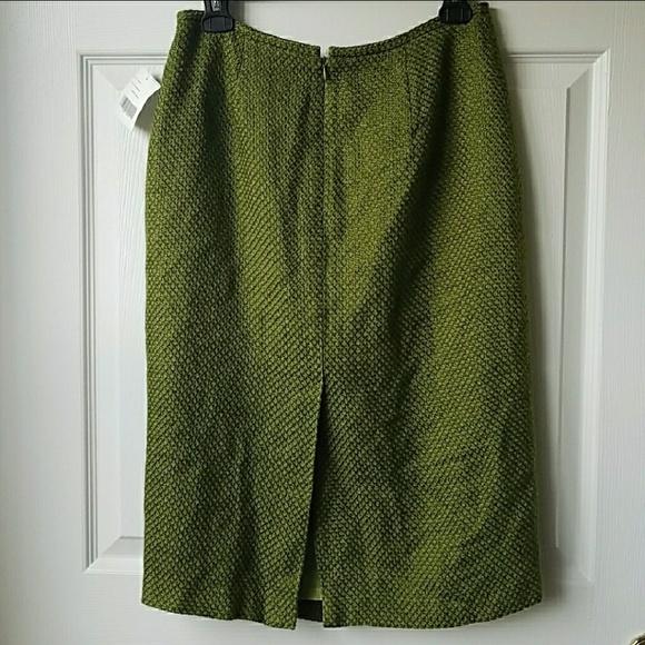 eb5a9521f3e NWT Chartreuse Liz Claiborne Pencil Skirt